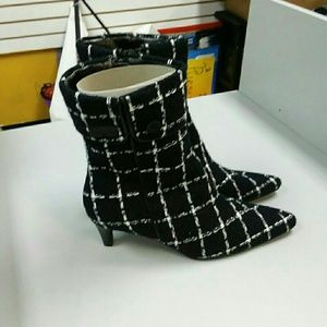 Black and white Fashion Boots
